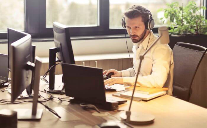 What are the Best Headsets for Conference Calls?
